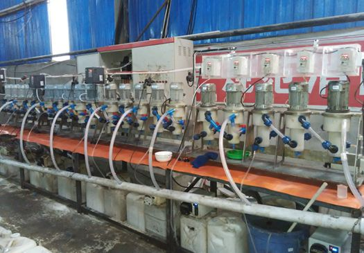 Phenolic wastewater treatment with centrifugal extractor